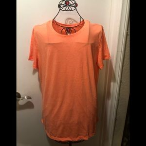 Peachy 🍑 Orange 🍊 T-shirt great for work-out